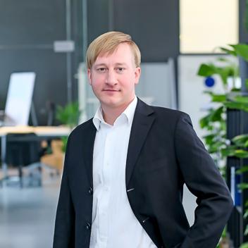 georg_novak_office